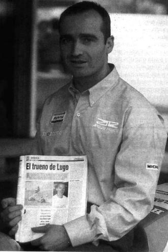 Con el ejemplar 1413 de Motociclismo (cuando sacaba un suplemento para Galicia - 1995)